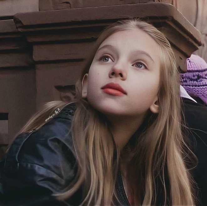 Black-Widow-Scarlett-Johansson-5